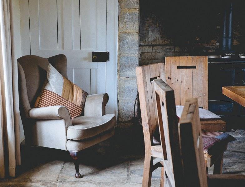 come-eliminare-i-tarli-dalle-sedie